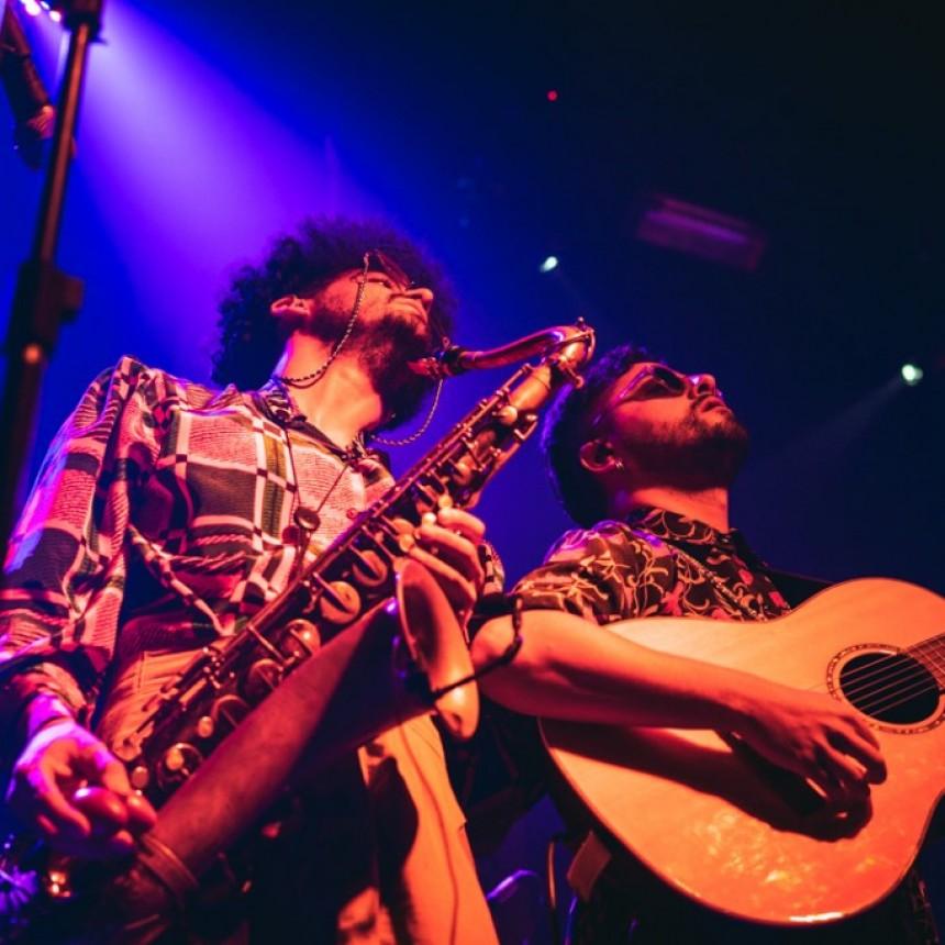 Gauchito Club presentó en Rosario su Tour Astral con mucha épica.