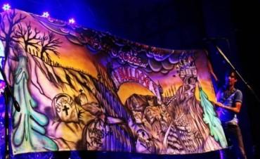 """Bulldog celebró los 20 años de la edición de """"Un lugar para juntarnos"""" con un gran recital en su ciudad."""