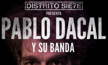 Pablo Dacal y su banda en Distrito Siete