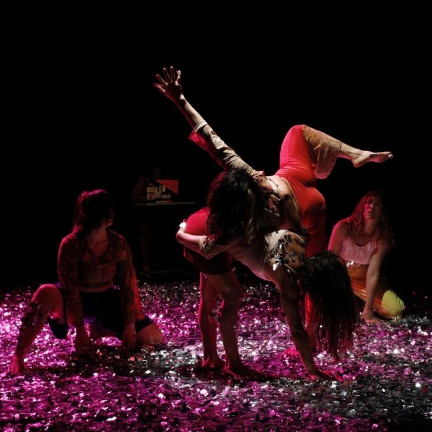 Sobre el Diluir o fundirse en el movimiento danzado